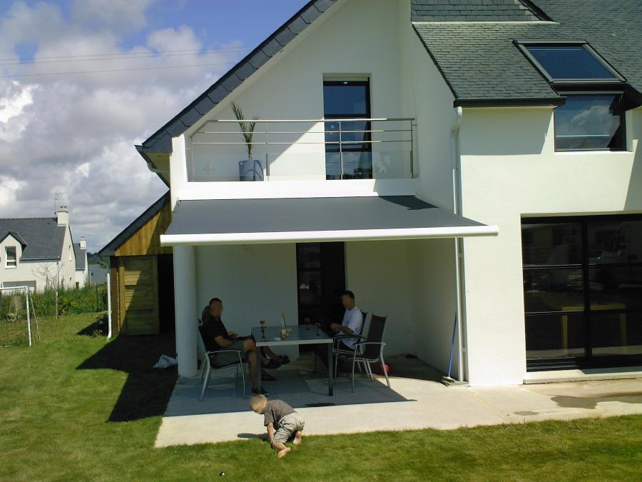 Atoutbaie vannes articles for Store terrasse electrique